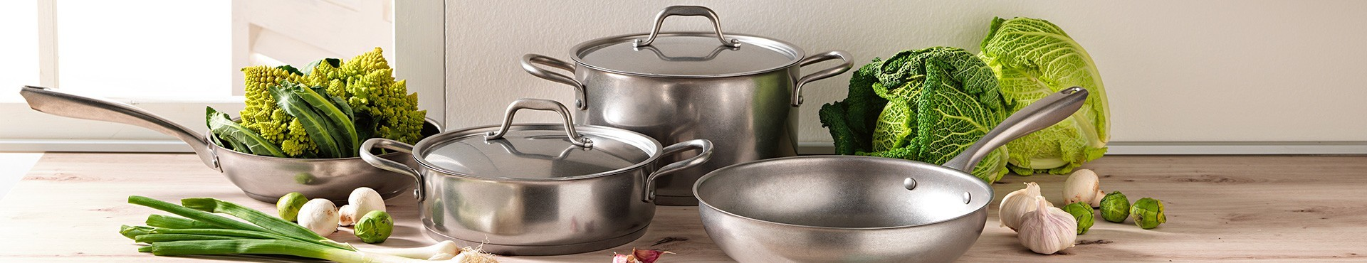 Pans and colander